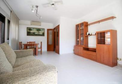 Apartament a calle de La Plana, nº 64