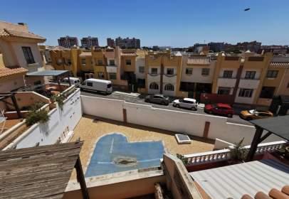 Dúplex a calle Montserrat Caballé