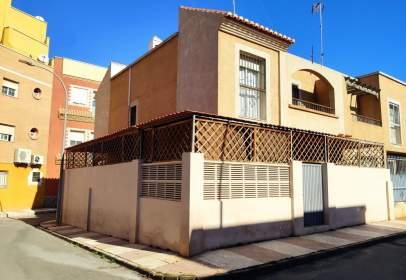 Casa adosada en Zona Carretera de La Mojonera