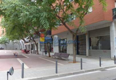 Local comercial a calle Marques de Montroig