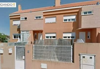 Casa adosada en calle de La Coruña