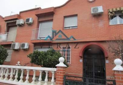 Terraced house in El Pilar-La Estación