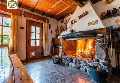 Casa en Carrer de la Cova del Drac, cerca de Carrer de la Serra de Sant Feliu