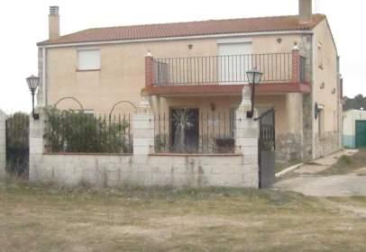 Casa a calle los Salguerales