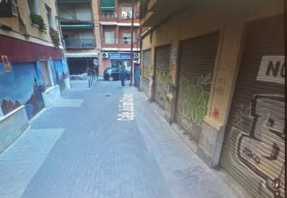Almacén en calle Julián Calvo, nº 6