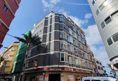 Flat in calle Salvador Cuyas