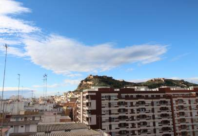 Penthouse in calle Plaza del Pino