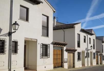 Casa adossada a calle Hormiguita