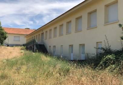Rustic house in Carretera Cm 543