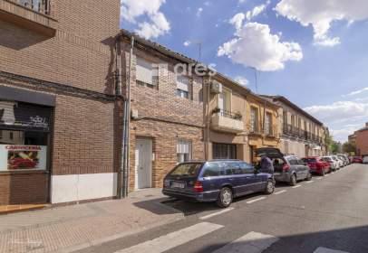 Casa en calle de Eugenia de Montijo, cerca de Calle del General Ricardos