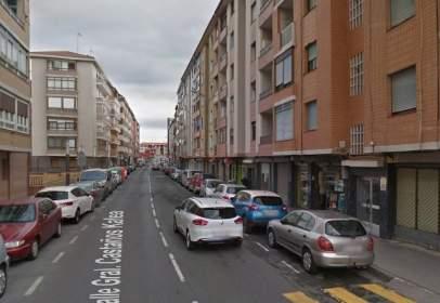Piso en calle del General Castaños, nº 123