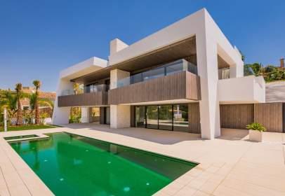 House in Villa de Lujo en Nueva Andalucia