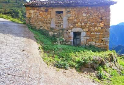 Casa rústica a calle Bandujo