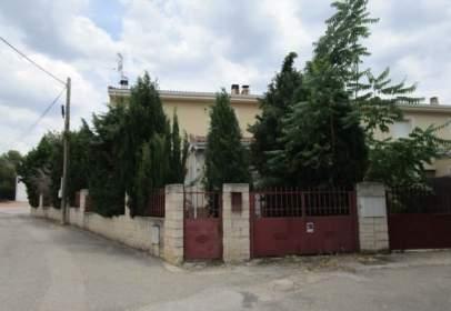 Casa adosada en calle de la Ermita