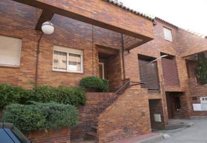 Casa adossada a calle de la Azalea, 361, prop de Calle Caléndula