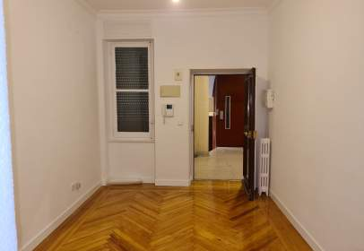 Flat in calle Gaztambide, nº 21