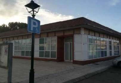 Commercial space in calle de Vicente Aleixandre, near Calle de Federico García Lorca