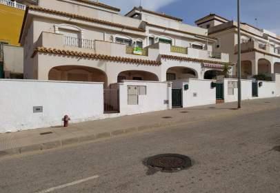 Dúplex en calle Subida al Monte, cerca de Calle Pantano de Talave