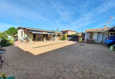 Casa en Casa Prefabricada Con Piscina en Urbanización de El Casar de Escalona