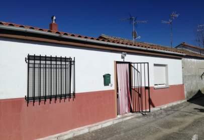 Casa adosada en Barruecopardo
