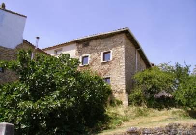 Casa adosada en calle de Nuestra Señora de las Nieves