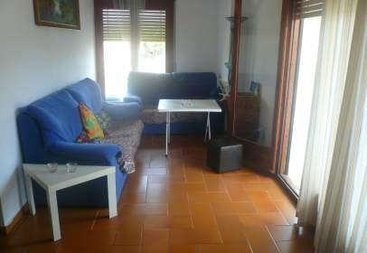 Apartament a Avinguda de Catalunya, prop de Carrer d' Artur Mundet