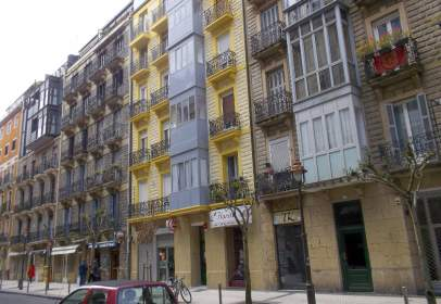 Commercial space in calle de Matia