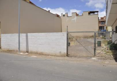 Land in calle Atacaite