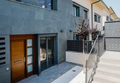 Casa adossada a calle Tenor Viñas,  59-65