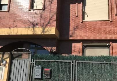 Casa adossada a calle Monasterio de Yuso