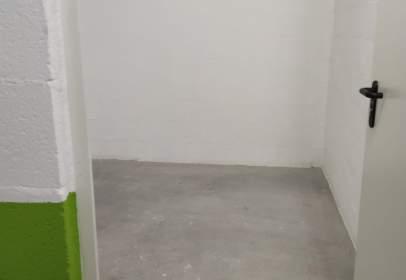 Storage in calle Jose Mª Escuza, nº 2