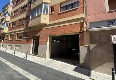 Garatge a Carrer de Girona, prop de Carrer Nou de l'Algavira