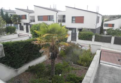 Terraced house in calle Fausto