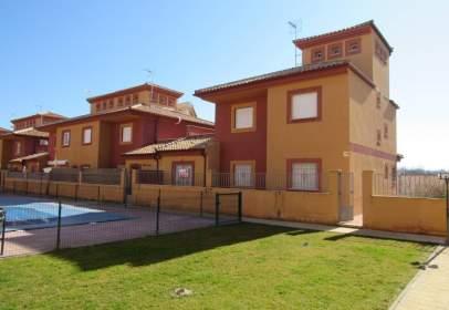 Casa adosada en San Miguel