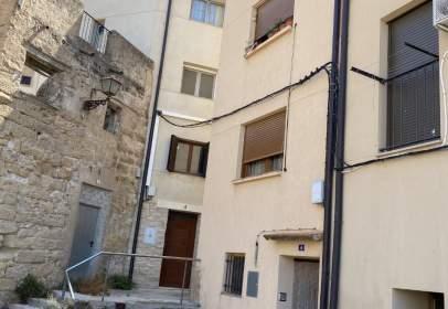 Casa adossada a calle de Mazador