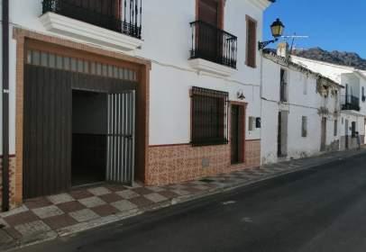 Casa a calle Defensor de Granada