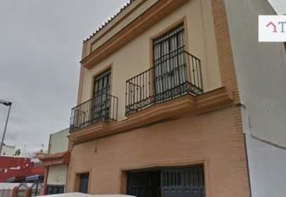 Terraced house in Avenida de España, near Calle de las Cruces