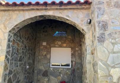 Casa rústica en Cheles