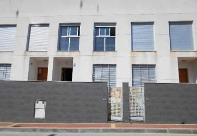 Casa adosada en calle Pedro Villa Valero, 12