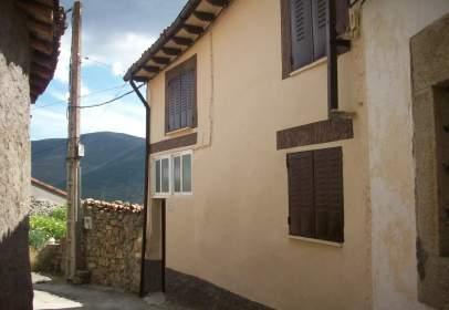 Casa adosada en calle de San Bartolomé, 3