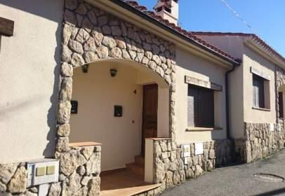Casa pareada en calle Abajo, 19