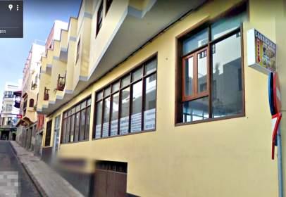 Local comercial en calle Infanta Isabel, nº 14