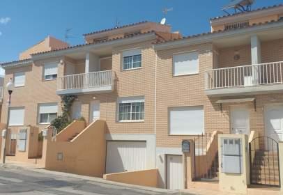 Casa adossada a calle Alicante