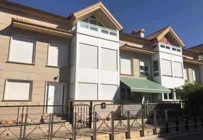 Casa adosada en calle de Capitanes Galán y García