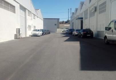 Nave industrial en calle Valderramata