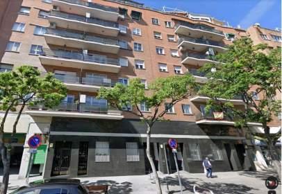 Piso en calle de Antonio López, cerca de Calle de Matilde Gayo