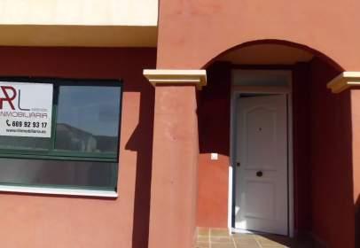 Casa adosada en Urbanización Zalea