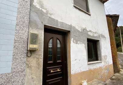 Casa adossada a calle La Horrea, nº 21