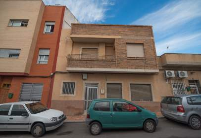 Casa en calle de los Reyes Católicos, cerca de Calle de Ortega y Gasset