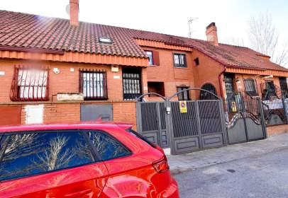Casa en calle los Pinos